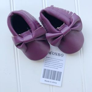 NWT Purple Baby Moccasins   0-6 months